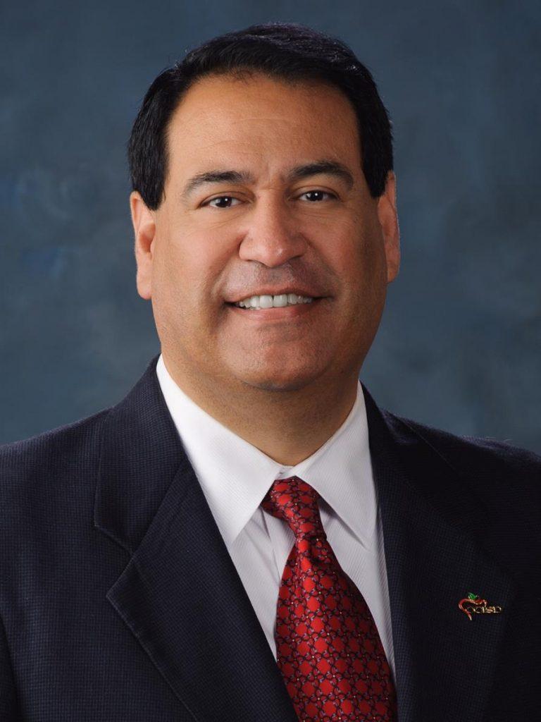 Dr. Roland Hernandez